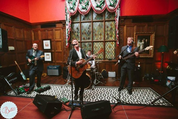 Brad Thompson wedding reception band
