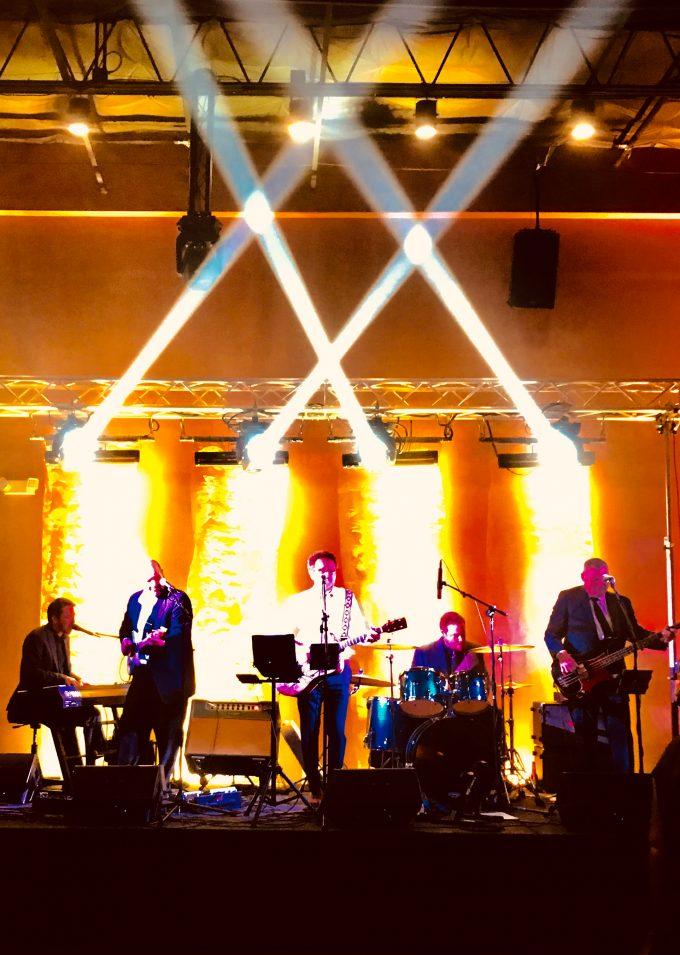 Brad Thompson & The Undulating Band